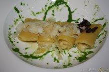 Paccheri Verrigni farciti di baccalà mantecato con pesto di rucola e raspadura