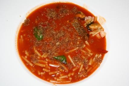 Minestra di pasta varia con sughetto di pesce; gamberi cozze, scorfano.