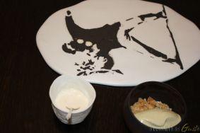 """""""Banksy"""" Il lancio dei fiori fatto con yogurt affumicato e polvere di anice stellato"""