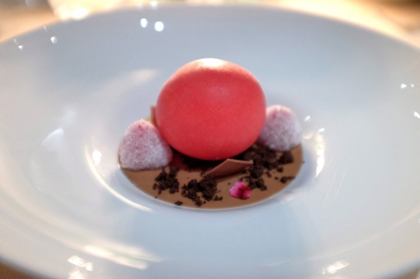 Passione Gourmet: La famosa sfera di lamponi e cioccolato