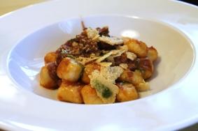 Passione Gourmet: Piacevoli gli gnocchi di patate e stracotto di coda di bue