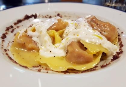 Passione Gourmet: Tortelli di baccalà (lingue, trippa) nduja, stracciatella olive