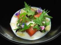 Salmone, porcini e latte di cocco