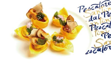 Le Soste: Ravioli di Chianina in guazzetto di erbette dolci con porcini e tartufo nero